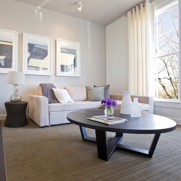 The contemporary suites at this Virginia Bed and Breakfast offer modern artwork and comfortable seating