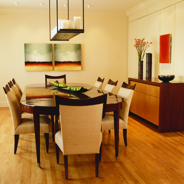 The remodeled dining room of this colonial Washington, DC home is a mix of contemporary and traditional elements.