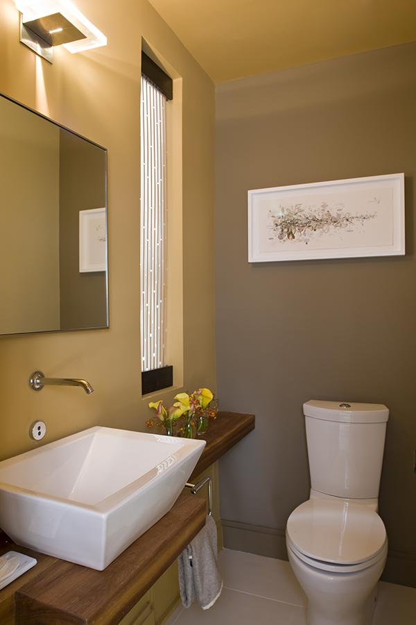 Upscale green and sustainable bathroom by Washington, DC Architect and Interior Design firm, Studio Santalla